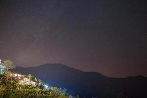 Vintergatan och lamporna foto