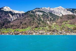 brienz stad vid sjön brienz av interlaken, schweiz foto