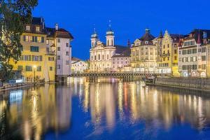 utsikt över den historiska stadskärnan i Luzern, Schweiz foto