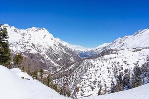 bergslandskap i schweiz foto