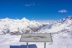panoramautsikt över de schweiziska Alperna, Schweiz foto