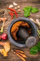 sortiment av thailändska matlagningsingredienser foto