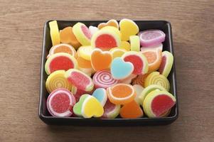sött godis i hjärtform foto
