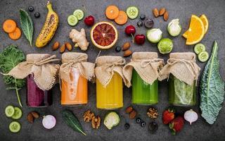färsk fruktjuice foto