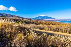 fuji berg vid yamanakako eller yamanaka sjön i japan