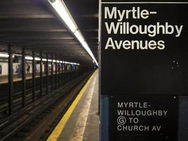 myrtle - willoughby tunnelbanestationsskylt foto
