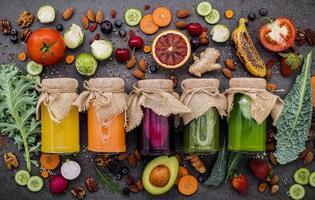 konserverad hälsosam mat foto