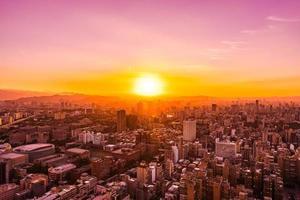 Flygfoto över Taipei City, Taiwan foto