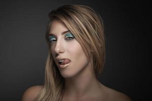 skönhetsporträtt av sexig blond kvinna foto