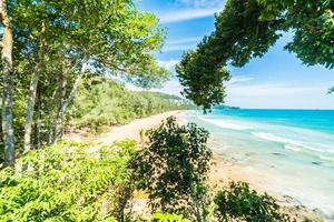 tropisk strand i Thailand foto