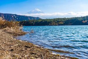 landskap runt mt. fuji i japan på hösten