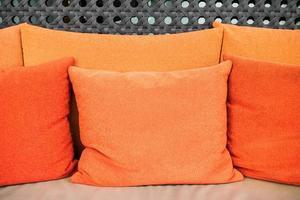kuddar på soffan