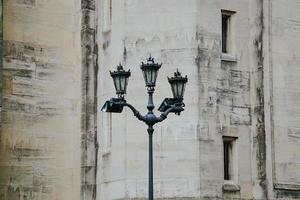 en gatlykta i bilbao city, spanien foto