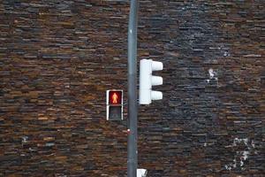 trafikljus på gatan i bilbao city, spanien foto