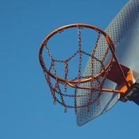 street basket hoop, bilbao city, spanien foto