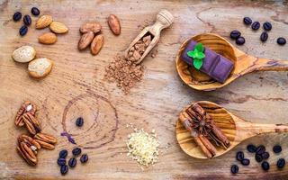efterrättingredienser på trä foto