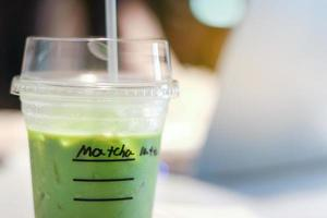 iced matcha grönt te latte foto