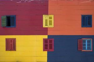färgglad fasad från caminito i la boca, buenos aires, argentina