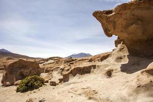 klippformationer av daliöknen i bolivia foto