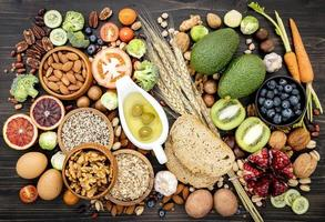 ovanifrån av hälsosamma livsmedelsingredienser foto