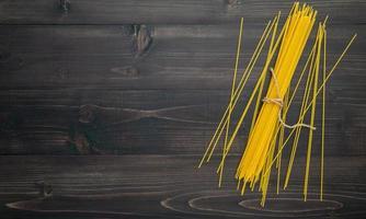 spagettinudlar och kopieringsutrymme foto