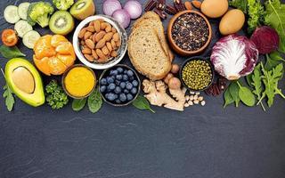 hälsosamma färska livsmedel med kopieringsutrymme foto