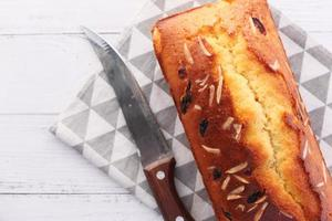 ovanifrån av hemlagad tårta på bordet foto