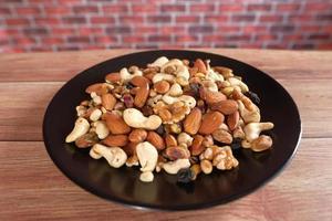 skål med blandade nötter