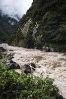 urubamba flod i peru foto