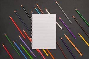 tillbaka till skolan anteckningsbok och brevpapper bakgrund