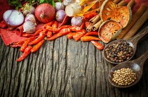 färska thailändska livsmedelsingredienser foto