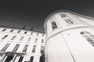 tjeckien 2018 - heliga korsets kapell på tredje gården vid slottet i Prag