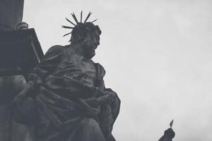 staty vid pestkolonnen i cesky krumlov, Tjeckien
