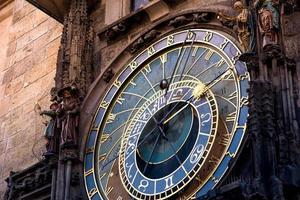 den astronomiska klockan i Prag foto