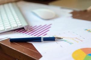 penna på dokument foto