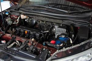 motor i en bil foto