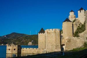 Golubac fästning i Serbien foto