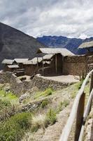 inkaruiner vid Pisac, Peru foto