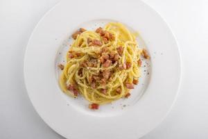 pastarätter spaghetti carbonara foto