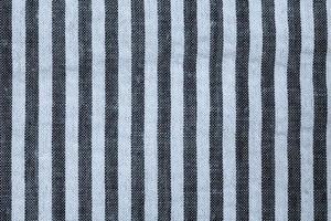 närbild svartvitt randigt tyg foto