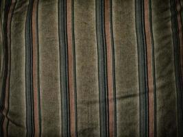 färgglada ränder på tyg för bakgrund eller konsistens foto