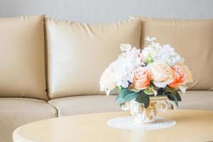 blomma vas på bordet