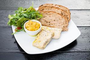 foie gras med bröd