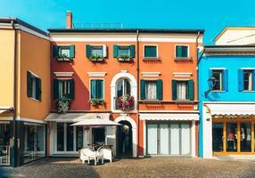 caorle, italien 2017 - turistdistrikt i den gamla provinsstaden caorle i italien