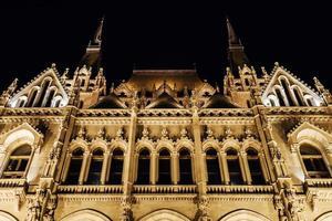 det ungerska parlamentet i Budapest på Donau