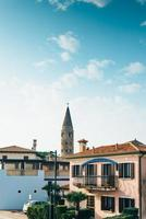klocktorn duomo santo stefano i caorle italien foto