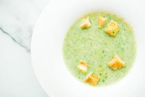 grön spenat grädde soppa
