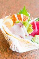 rå och färsk sashimi