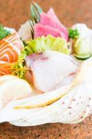 rå och färsk sashimi foto