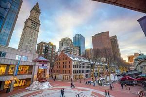 utomhusmarknad på Quincy Market och South Market i det historiska området Boston